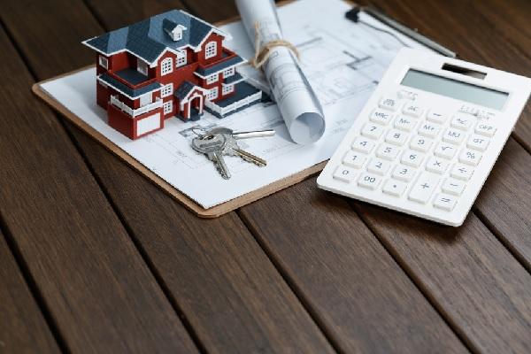 C'est l'histoire d'un propriétaire qui vend sa résidence principale (secondaire ?)…